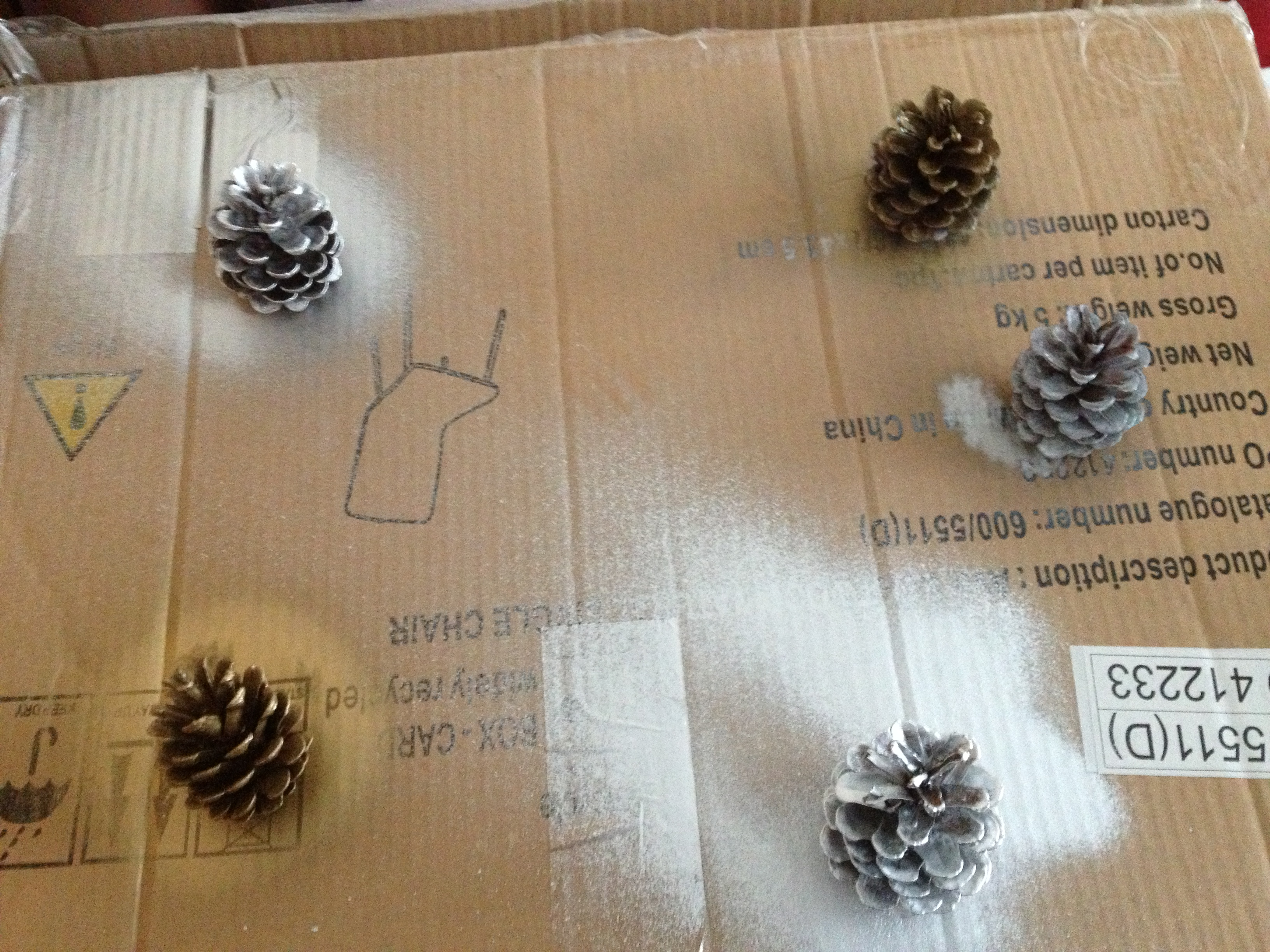 diy pine cone christmas tree decorations - Decorating Large Pine Cones For Christmas