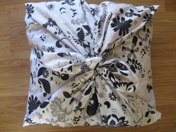 No-Sew Fabric Pillow Cover