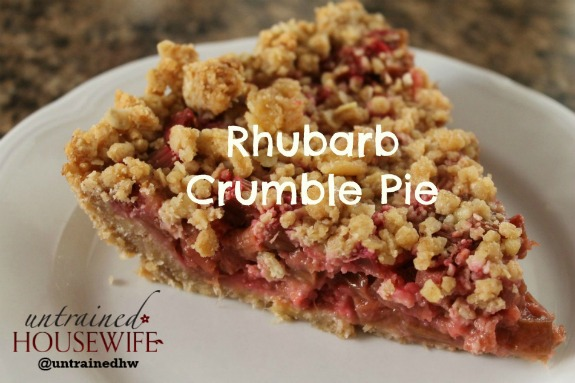 How to Make Rhubarb Pie with Homemade Crumble Topping