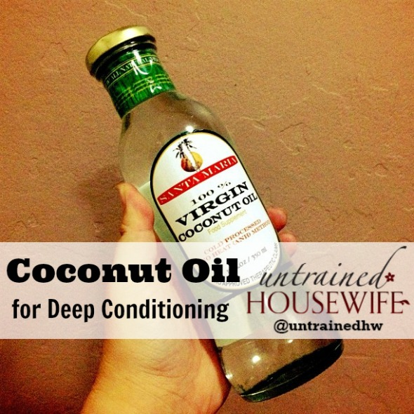 Coconut Oil is solid when cool and liquid at room temperature. (Photo Credit to raramaurina on Flickr)