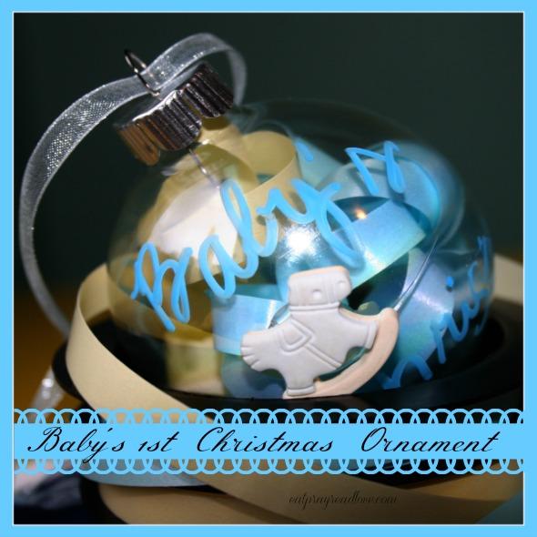 baby's ornament 590