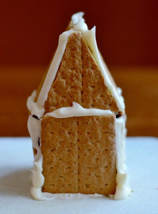 graham cracker gingerbread houses 4 uth